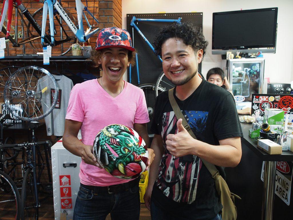 ペインターの武岡氏とマリノ